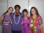 Rita e Ana ... é um prazer servir a Deus com estas murelhes! a Rita toca trompa!